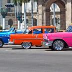 El Almendrón: Los coches antiguos de los años 40 y 50 siguen en La Habana