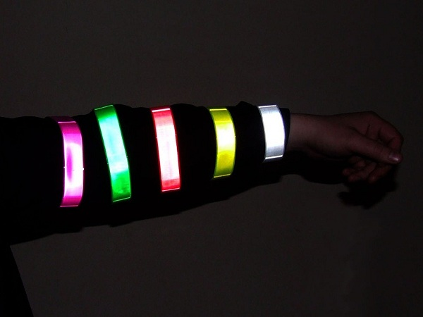 Reflective elements are not necessarily glued to the clothes, they can be mounted as bracelets