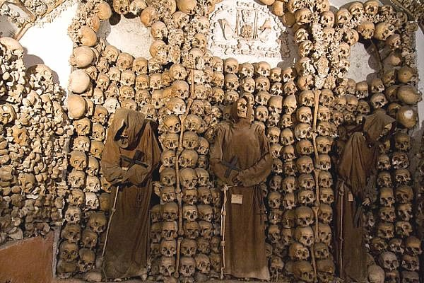 If you start a tour with the bone Church, the tourists will remember Rome for a long time