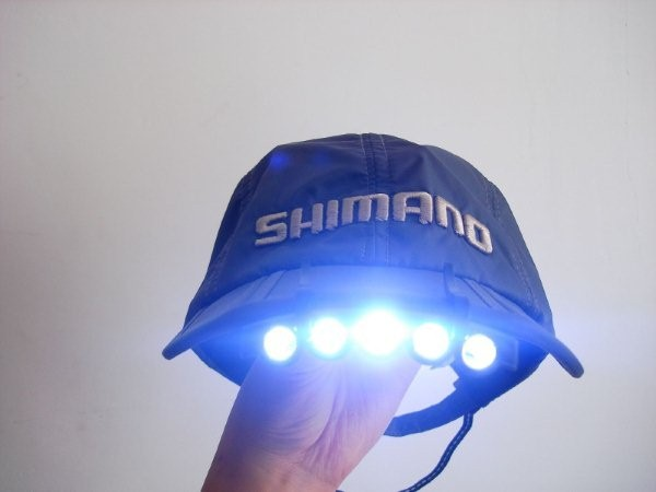 A cap with a flashlight frees both handsA cap with a flashlight frees both hands